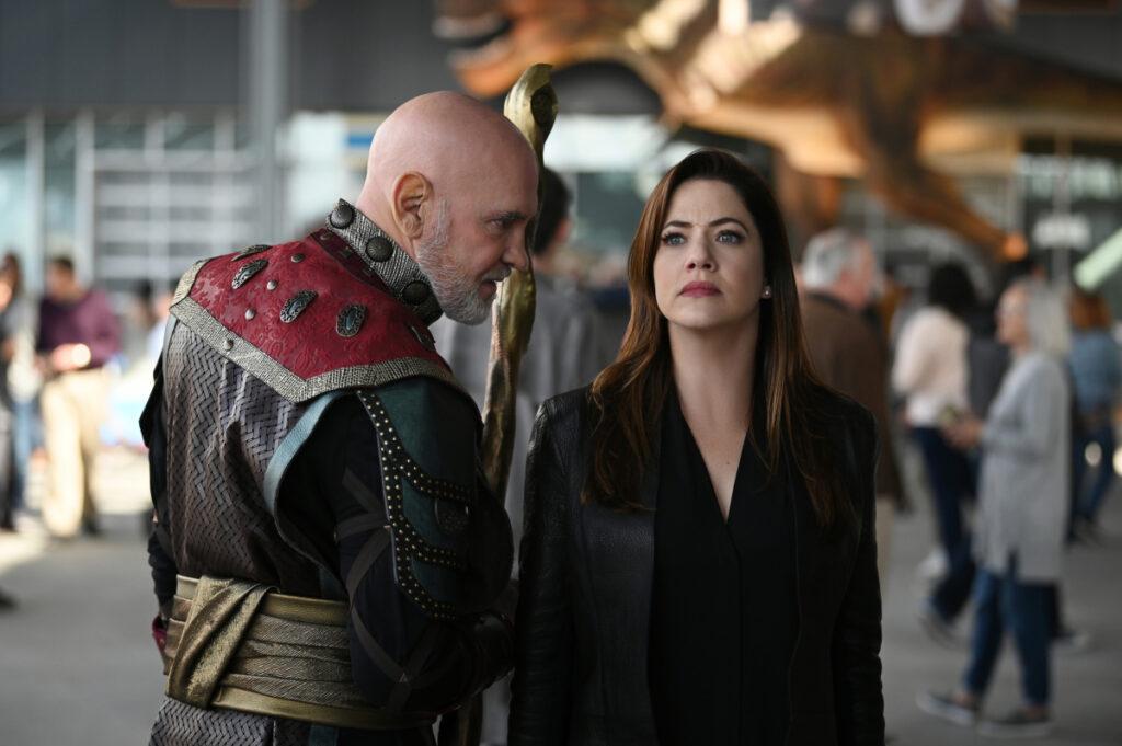 Rama Khan och Andrea Rojas i Supergirl. Foto: Sergei Bachlakov/The CW