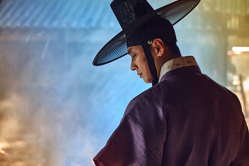 Kronprinsen Lee Chang pekas ut som förrädare. Foto: Juhan Noh/Netflix