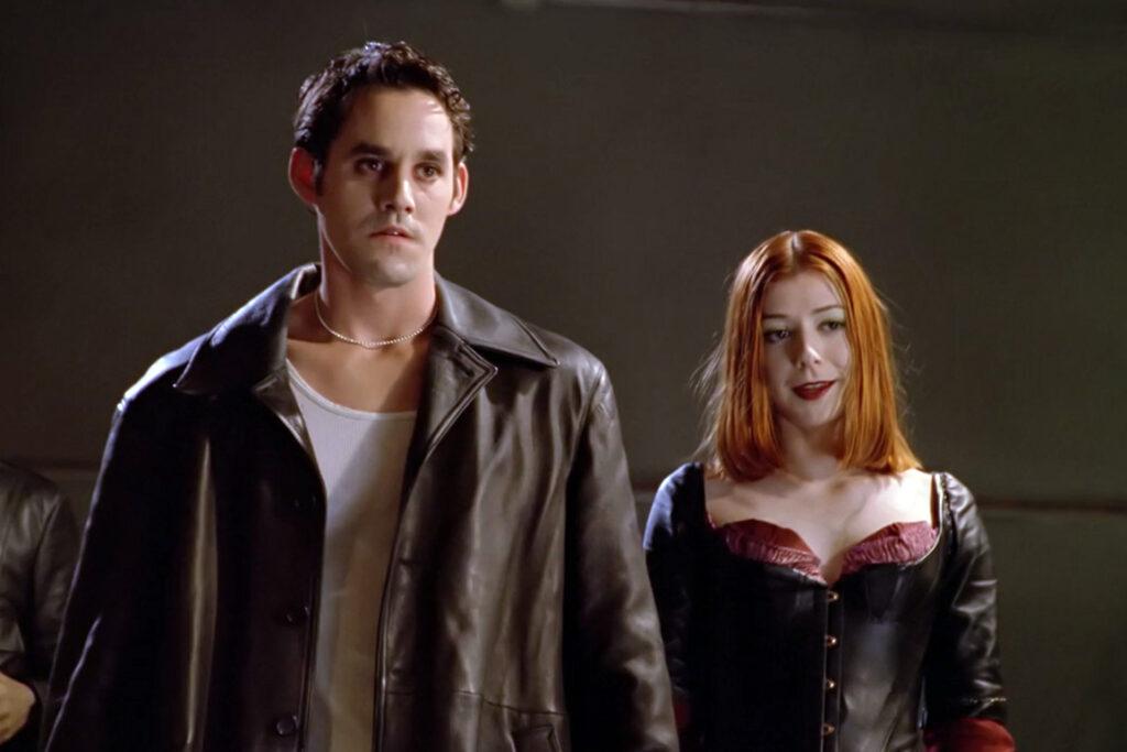 I en av de alternativa tidslinjerna är Xander och Willow vampyrer.