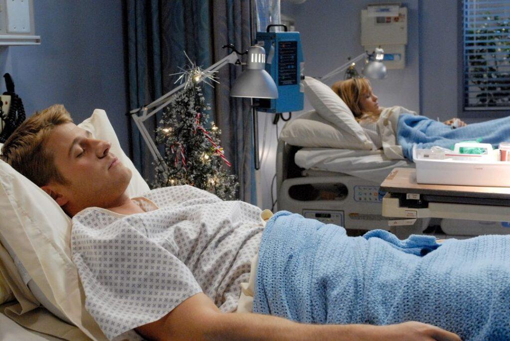 Efter en olycka hamnar Ryan och Taylor på sjukhuset och drömmer om livet inte vore som det är idag.